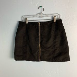 black zip up H&M skirt